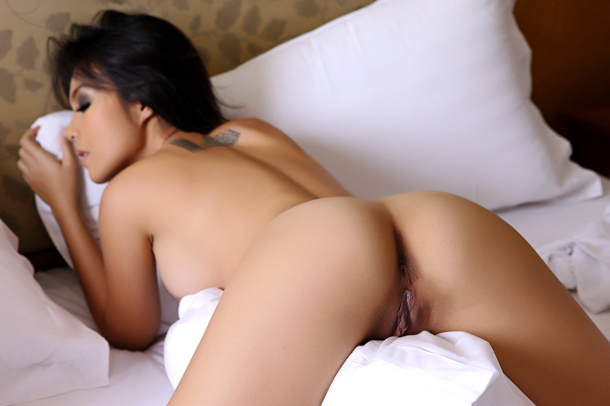 Naked ass asian pussy