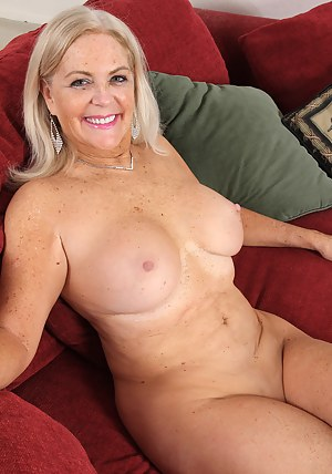 Pussy shaved mature